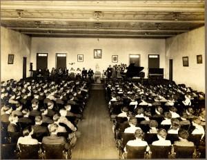 knuttihall_auditorium_chapelservice_1913-14_wscf_lb1978s572p5_pt1_2