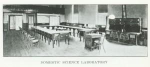 knuttihall_domsci_catalog1918_19